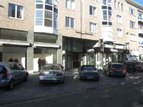 Location Commercial ground floor located Vredeplein at a few meters from the Nieuwstraat. Neighbouring retailers Sarah Pacini, Juwelier Martens, Manpo
