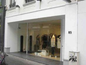 Location Commercial ground floor located Antwerpsestraat in Lier, at walking distance from the Grote Markt. Neighbouring retailers H&M, Superdry,
