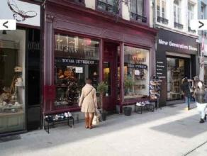 Location Commercial property located in the center of Mechelen, at walking distance from the Grote Markt. Neighbouring retailers Rituals, Press Shop,