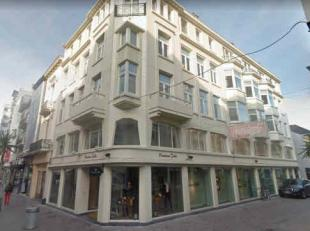 Location Beautiful ground floor corner building in a monumental property. Located in the car-free shopping street that gives on the Zeeparking and the