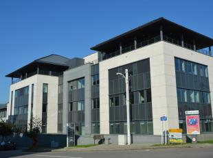 """Leeftijd gebouw - Gebouwd in 2012 Specifieke kenmerken - """"Portes du Lion"""" bestaan uit twee gebouwen. - De twee delen zijn volledig autonoom zijn."""