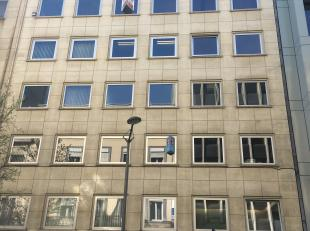 Totaal +/- 2.250 m² op 0 + 8 verdiepingen Offices ideally located in the European district with partitioned offices on the frond and a lorge open