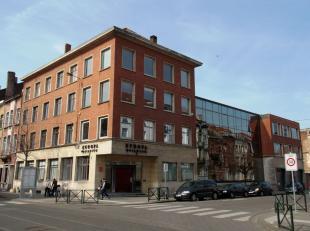 - Het te koop aangeboden goed bestaat uit 2 percelen : Bestaand gebouw met perceel oppervlak van 1.064 m² - 4 verdiepen hoog Pote