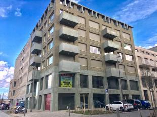 Leeftijd gebouw - Project Specifieke kenmerken - De kantoren kunnen op maat ingericht worden - De handelsruimte Jaipal wordt casco wind-waterdicht opg