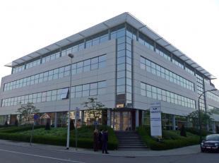 - Een complex bestaande uit twee delen - In totaal +/- 7.614 m² aan kantoren - Design en functionaliteit perfect geharmoniseerd - Vloertype : +/-