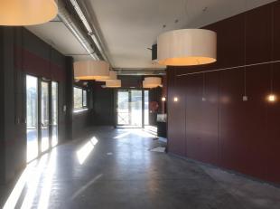 COMMERCE - Bureau ou atelier à proximité d'un espace commercial attractif, superficie 70 m² rez et 60 à l'étage - cui