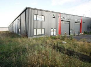 Situation et informations générales<br /> Situation idéale dans le zoning Nord de Wavre: environnement de bureaux, commercial et