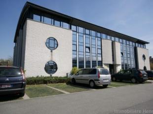 Collines de Wavre (Zi Nord), location d'un plateau de bureau de 534 m² situé au 1er étage d'un immeuble récent, lumineux et