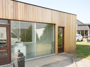 Zoning Wavre Nord, 60 m² de bureau au rez d'un immeuble.  Espace très lumineux qui bénéficie d'une super visibilité !
