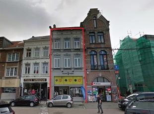 WAVRE CENTRE - IMMEUBLE DE RAPPORT divisé en plusieurs espaces, tous loués. Belle façade de style, espace commercial au rez b&eac