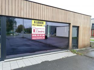 Zoning Wavre Nord, 60 m² de bureau devant un entrepôt, à front de rue. Espace très lumineux qui bénéficie d'une