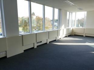 """Bureau 253m² à aménager. WAVRE NORD BUSINESS PARK - Les Collines de Wavre - Spacieux plateau de bureaux de 253 m²  style """"open"""