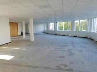 """Bureau 386m² à aménager. WAVRE NORD BUSINESS PARK - Les Collines de Wavre - Spacieux plateau de bureaux de 386 m²  style """"open"""