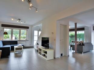 Morgan's Real Estate vous présente cette magnifique villa de charme sur une splendide parcelle de 16 ares 60 (1660m²) orientée sud-