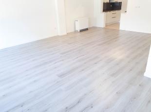 Gelijkvloers appartement met drie slaapkamers en autostaanplaats<br /> <br /> Op de Koning Boudewijnlaan 52 in Genk bieden we je een ruim gerenoveerd