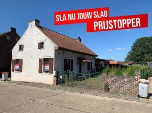 In de Hemelrijkstraat te Maasmechelen bieden we op huisnummer 23 een op te frissen woning aan voor de prijs van de bouwgrond. Deze rustige straat is g