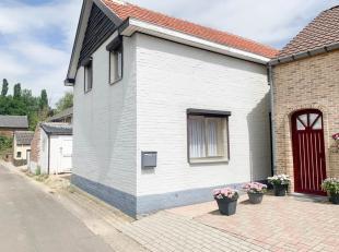 In de Schoolstraat te Heers bieden we een charmante, landelijke gelegen woning aan. Uniek aan deze woning zijn de snel bereikbare faciliteiten. Zo sta