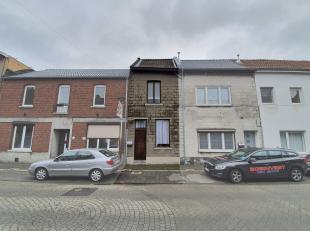 In de Maasstraat te Dilsen-Stokkem bieden we op huisnummer 11 een charmant, te renoveren rijhuis aan met moderne carportparkeerplaats.<br /> <br /> De