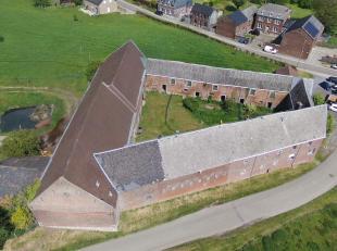 Juprelle*Splendide ferme en carré avec cour intérieure. Enormes poss., la sup. au sol est de ±1000 m² + la cour intér