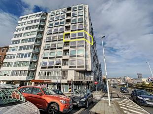 Appartement au 5ème étage : ±113m²<br /> -Hall sur carrelage ±8m²,<br /> -Séjour sur vinyle ±33m&s