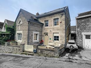 FAIRE OFFRE àpd 180 000euro - Belle maison de standing en pierres du pays située dans le village de Mont. Comprend 2 ch, 1 sdb, cuisine