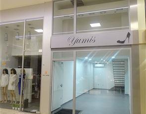 Te huur: Handelspand gelegen in Shopping 3 in het centrum van Genk<br /> Dit duplex handelspand heeft een totale oppervlakte van 50m²; 30m²