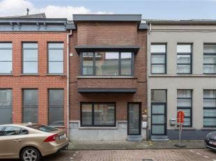 Te koop: Gerenoveerde rijwoning gelegen in de Overstraat 61 in de historische stadskern van Diest<br /> De building werd recentelijk volledig vernieuw