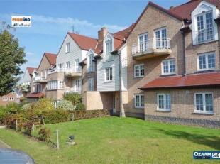 Résidence Le Manoir Dans un parc de +/- 40 ares, magnifique appartement 3 chambres de +/- 158 m² situé au 1er étage. A 5 min
