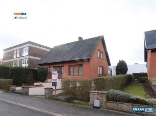 Agréable maison 4 façades 3 chambres de +/-150m² + caves et garage sur un terrain de +/-4.5 ares. A proximité de toutes les