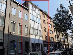 Unieke kans!   Opbrengsteigendom gelegen te Antwerpen Zuid. Buurt met statige herenhuizen, wijde boulevards en mooie pleinen. Zeer gegeerde buurt dank