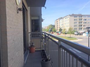 CASALINA Real Estate stelt te koop  MOOI en aangenaam appartement met 2 slaapkamers met terras in een kleine en recente résidentie met lift en
