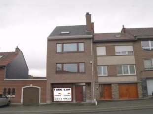 CASALINA Real Estate vous propose A VENDRE à Wezembeek-Oppem une maison bien entretenue composée de deux appartements. A quelques m&egra