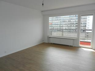 CASALINA REAL ESTATE aanbiedingen te huur - Mooi appartement van 73m² -GERENOVEERD - met terras aan de achterkant van het gebouw, gelegen op de 1