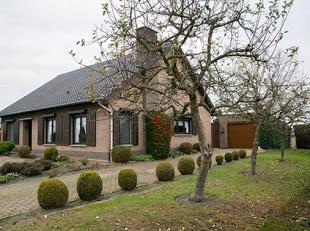 3 SLK woning gelegen op een TOPLOCATIE in Hamont, op een perceel van 825m². <br /> <br /> Deze woning is gelegen op een TOPLOCATIE in Hamont en w