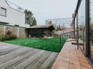 """Nieuw: <br /> Hoekperceel """" Guldensporenlaan & 11 julilaan """" als eventuele projectgrond voor appartementen. Totale opp = +/-5a 49ca.<br /> Een uit"""
