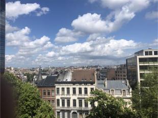 Infos et visites Anne 0476/ 89.60.46 Sur l'avenue Louise, à deux pas des Etangs d'Ixelles, magnifique appartement NON MEUBLE 3 chambres 3 salle