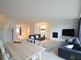 Magnifiek gerenoveerd zen-appartement met zijdelings zeezicht, op een toplocatie in het centrum van Knokke, tussen het Van Bunnenplein en de Dumortier