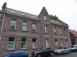 Vernieuwd appartement op rustige ligging ...<br /> In dit gebouw zijn de duplexappartementen vernieuwd.<br /> Vanuit de inkomhal is er toegang tot de