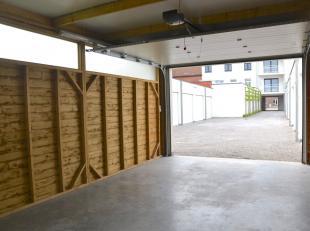 Garage à louer                     à 8930 Lauwe