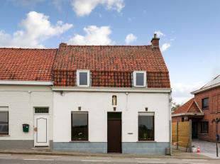 Op de Katteberg gelegen....<br /> Deze te renoveren woning omvat op het gelijkvloers een leefruimte met open ingerichte keuken en open trap naar de ee