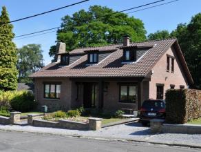 Dans le quartier des Bruyères, et à quelques centaines de mètres du centre-ville, venez découvrir cette maison 5 à