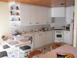 A deux pas de la place Bosch, appartement deux chambres au grand potentiel.Il se compose d'un séjour lumineux avec cuisine ouverte, de deux cha