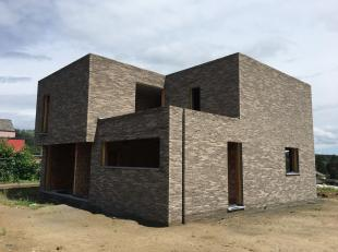 Moderne, open woning te Overijse.<br /> Deze woning is voorzien van alle moderne snufjes en gelegen in het rustieke Overijse.<br /> Met zijn 4 ruime k