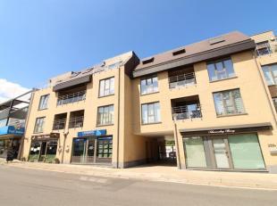 Trust à le plaisir de vous présenter ce bel appartement neuf situé en plein centre de Grand Bigard, à proximité imm