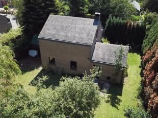 Située en face du golf de LLN dans un quartier résidentiel au bout d'une venelle sans issue, villa 6 chambres sise sur un terrain de +/-