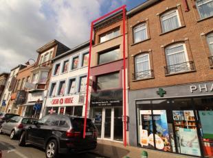 Trust à le plaisir de vous présenter cet bel immeuble commercial situé sur la place Bosch en plein coeur de Wavre. Aménag&