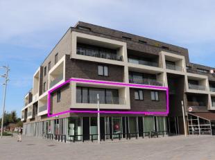 Service hoekappartement op de eerste verdieping met 2 slaapkamers.<br /> Indeling: inkomhal, slaapkamer 1, slaapkamer 2 met schuifdeur naar de woonkam