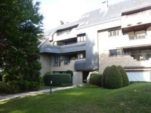 WOLUWE-SAINT-PIERRE : Dans quartier résidentiel et arboré, agréable et lumineux appartement rez-de-chaussée en bon &eacute