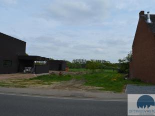 In de Heerbaan te Koersel bevindt zich deze bouwgrond voor open bebouwing van 10a22ca! Aan de achterzijde kan u genieten van een prachtig groen uitzic