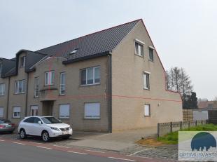 Duplex appartement te koop te Koersel! Dit appartement werd gebouwd in 2001 en beschikt over 2 slaapkamers en een zuidgericht terras! Via de woonkamer